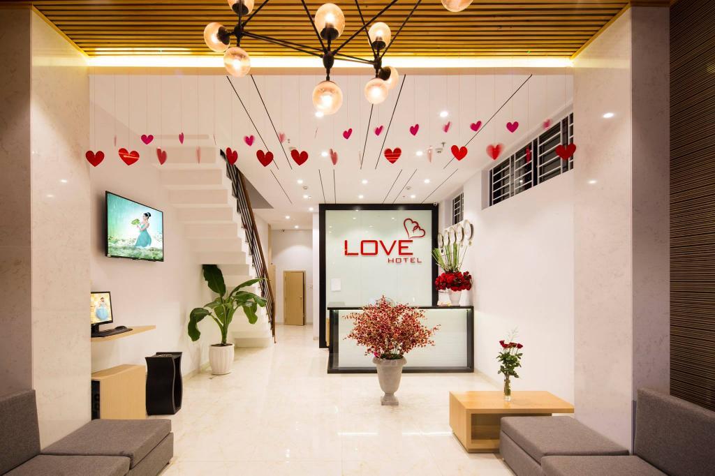 Khách Sạn Love